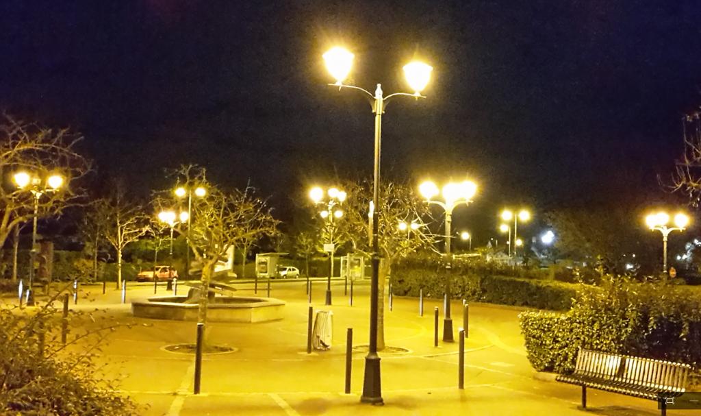 Place de la gare de verneuil vernouillet